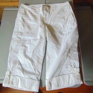 White Cargo Capri's